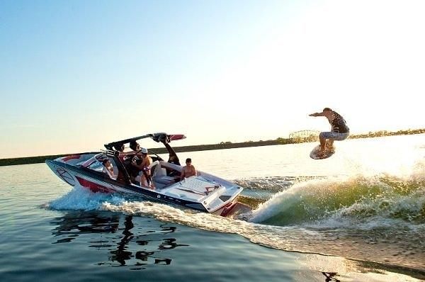 bateau wakesurf air
